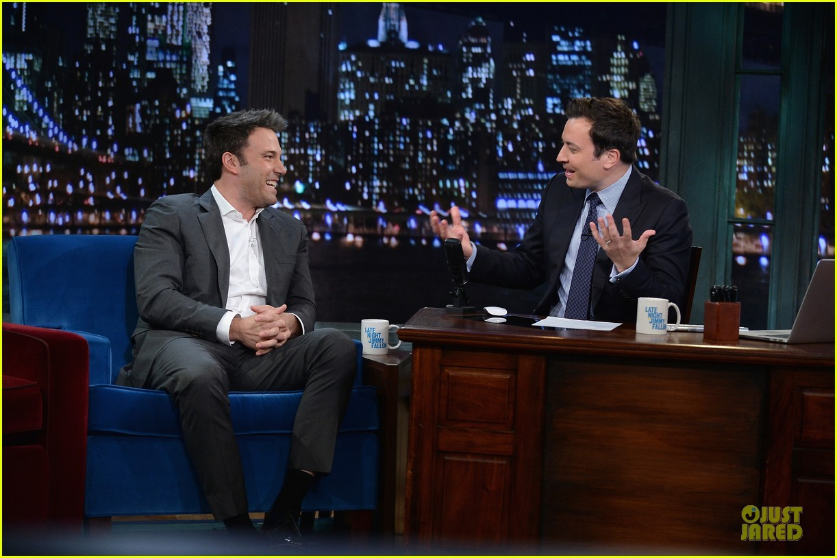 ben affleck mindy kaling late night with jimmy fallon guests 132953855