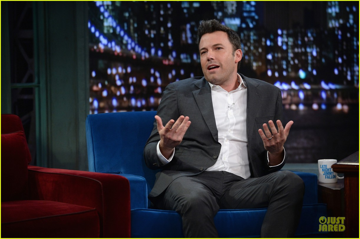 ben affleck mindy kaling late night with jimmy fallon guests 142953856