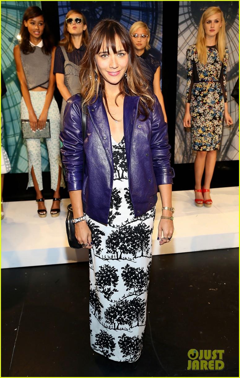 jessica alba rashida jones charlotte ronson fashion show 062946662