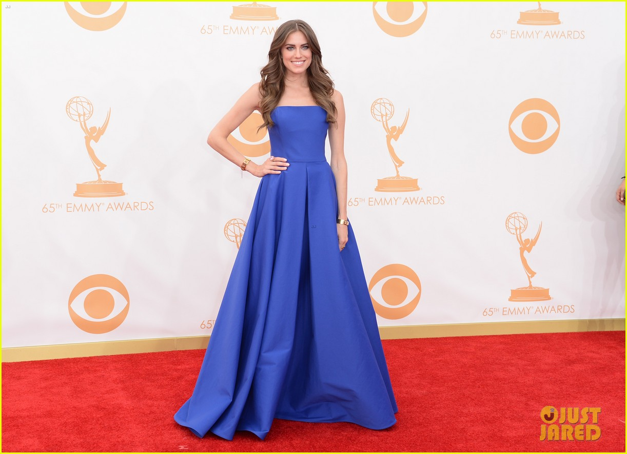 Zosia Mamet Emmys Full Sized Photo of al...