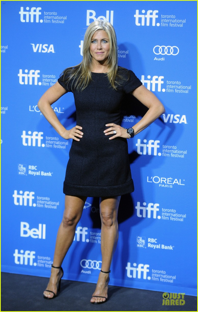 jennifer aniston life of crime tiff press conference 01