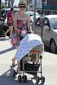 elizabeth banks plays peek a boo with son magnus 13