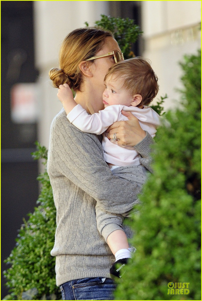 drew barrymore carries olive before nyc ballet gala 02
