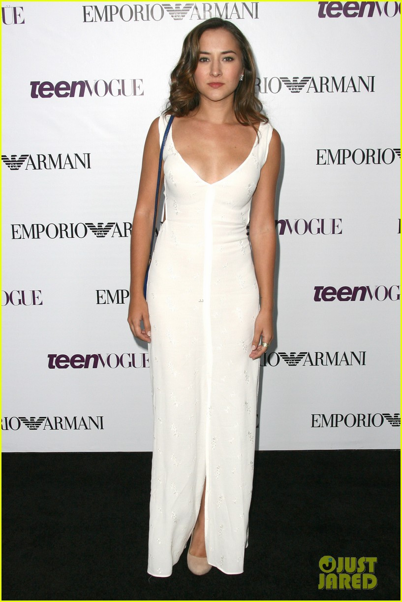 chloe bennet dom sherwood young hollywood party 2013 012961753