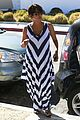 pregnant halle berry olivier martinez grove with nahla 08
