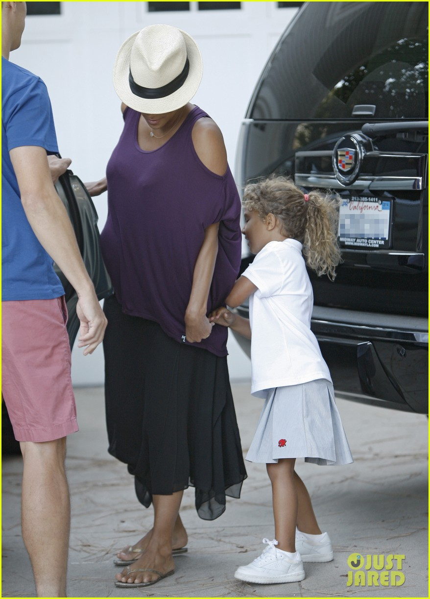 halle berry beverly hills playdate with nahla 062949143