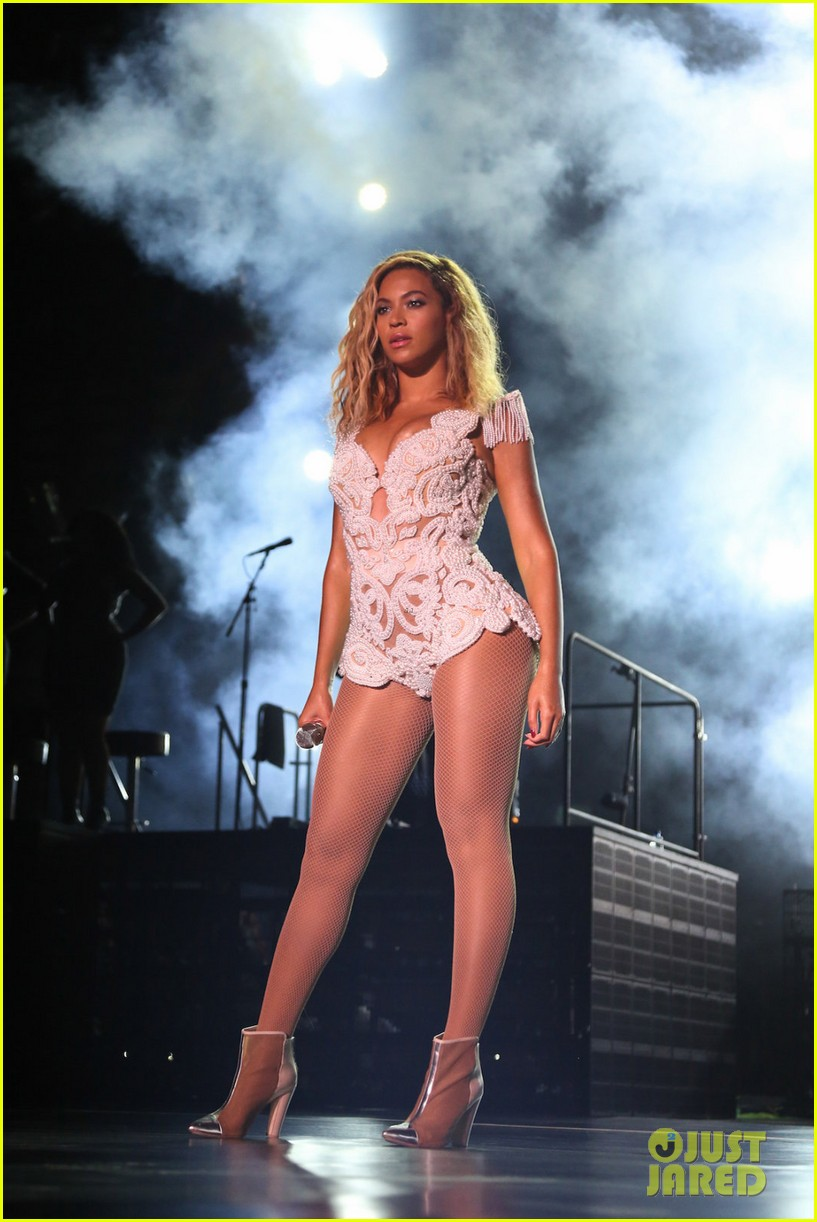 beyonce mrs carter tour brazil press conference show 012947566