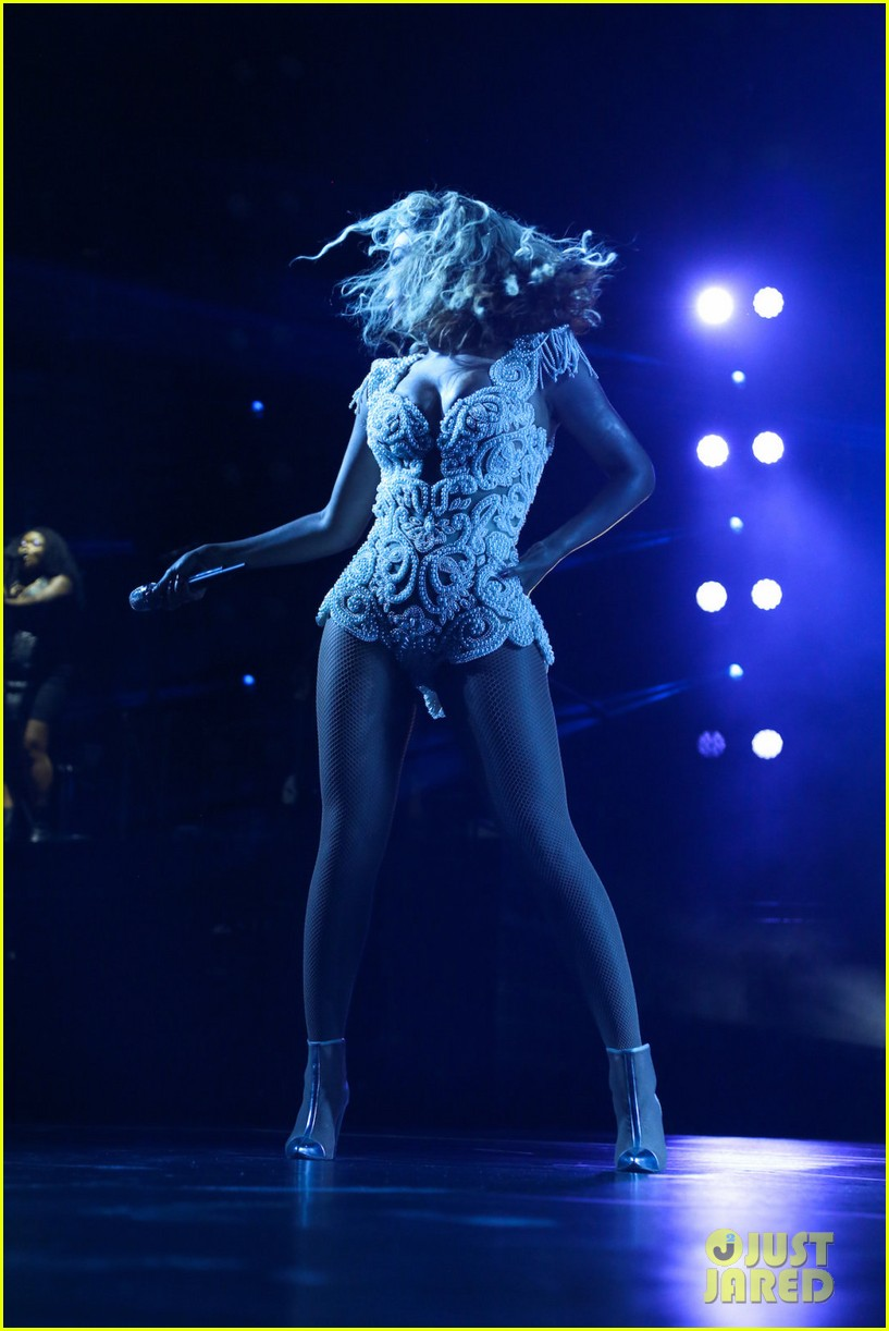 beyonce mrs carter tour brazil press conference show 16