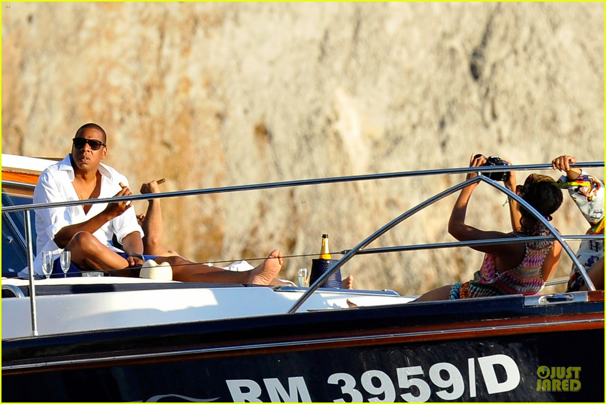 beyonce jay z italian yacht vacation with blue ivy 18