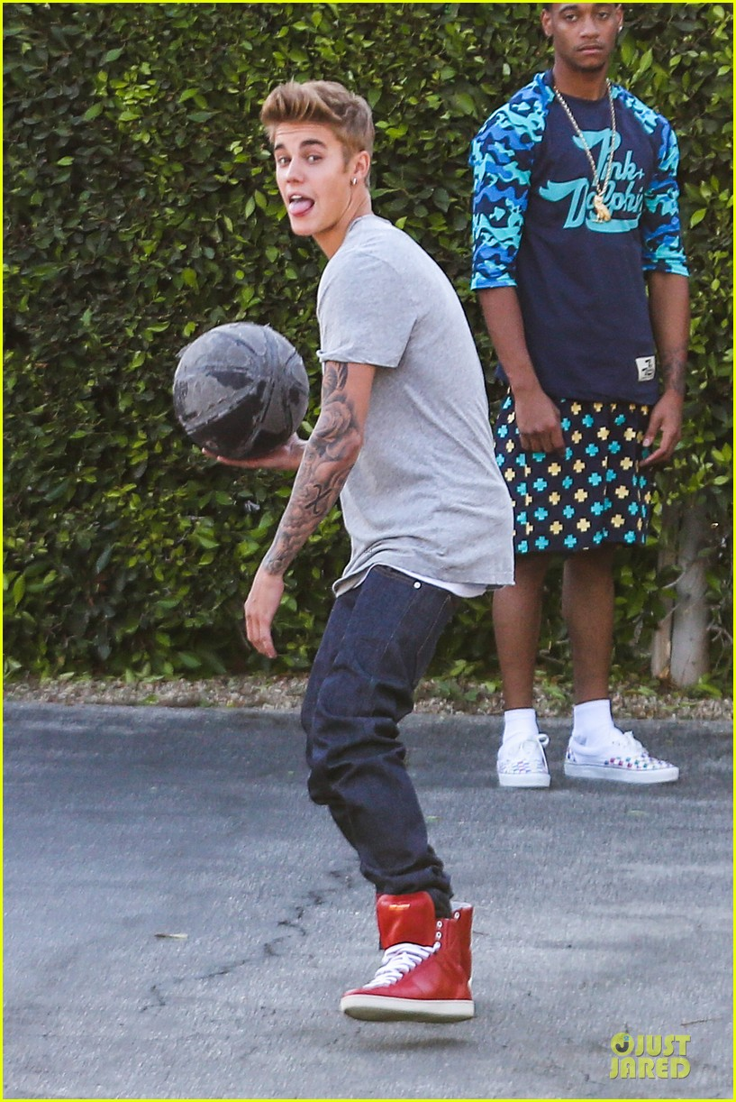 justin bieber robin in superman vs batman 102951692