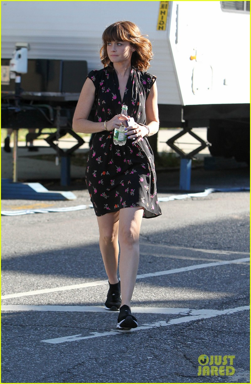 alexis bledel spotted after fans start fifty shades petition 03