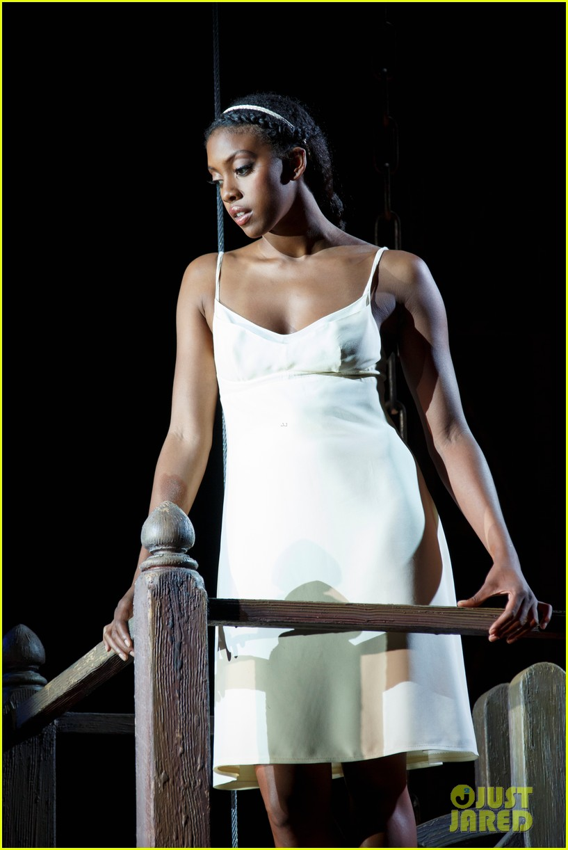 orlando bloom condola rashad romeo juliet production pics 072955374