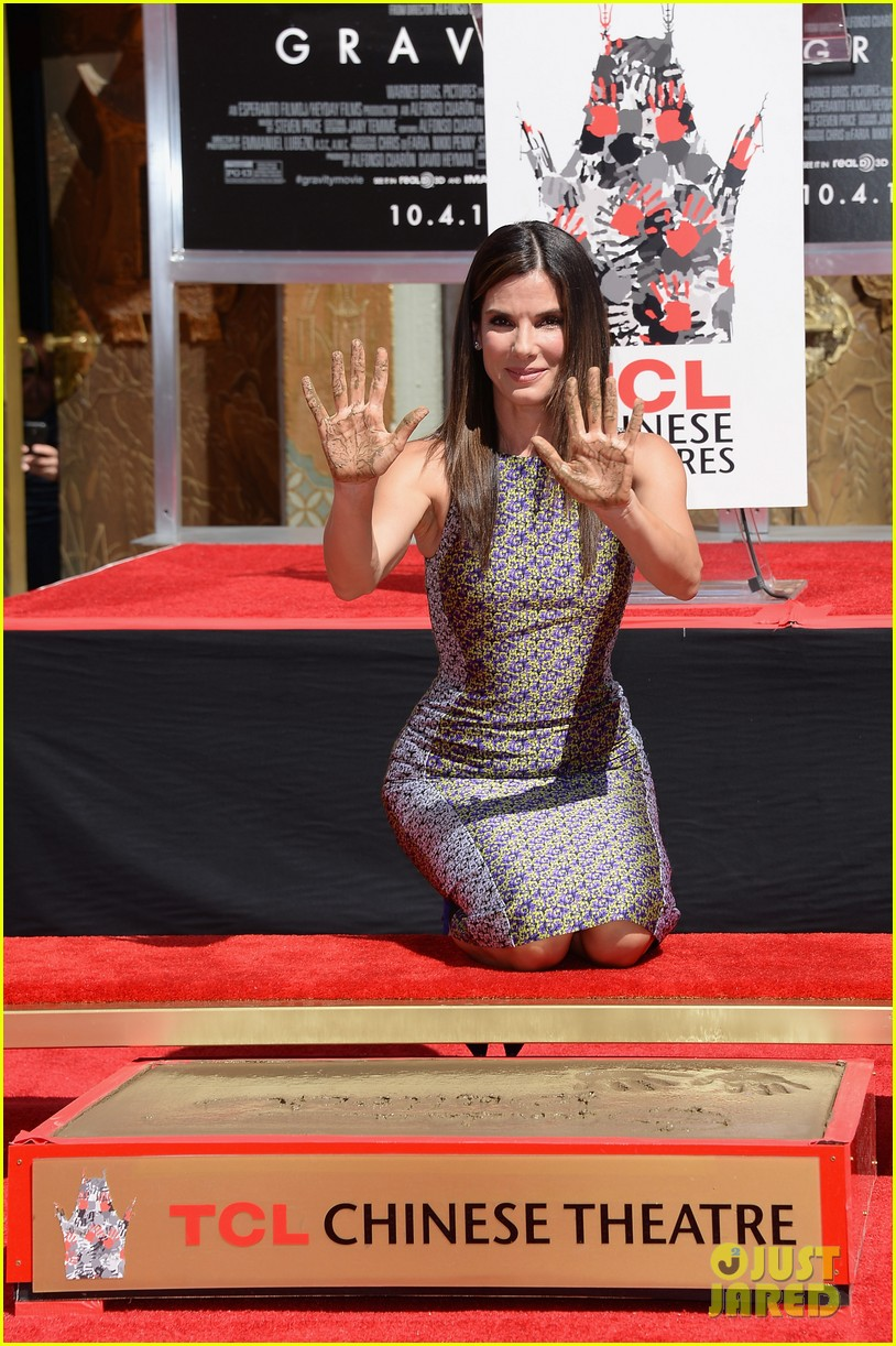 sandra bullock receives handprint at tci chinese theater 102959880