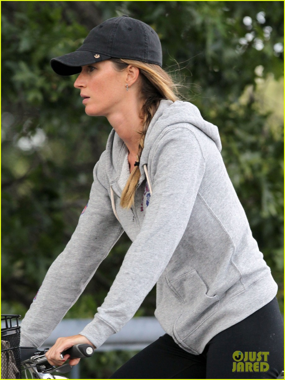 gisele bundchen rides bike tom brady scoots with benjamin 20