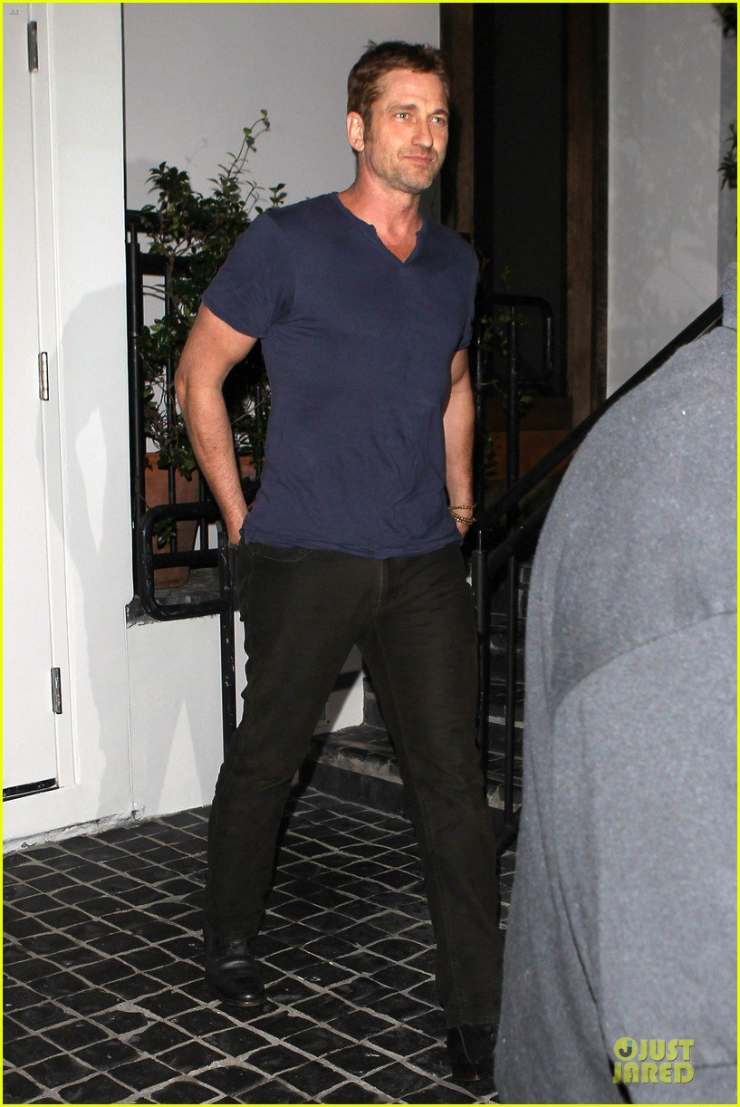 gerard butler cecconi dinner after god of egypt news 03