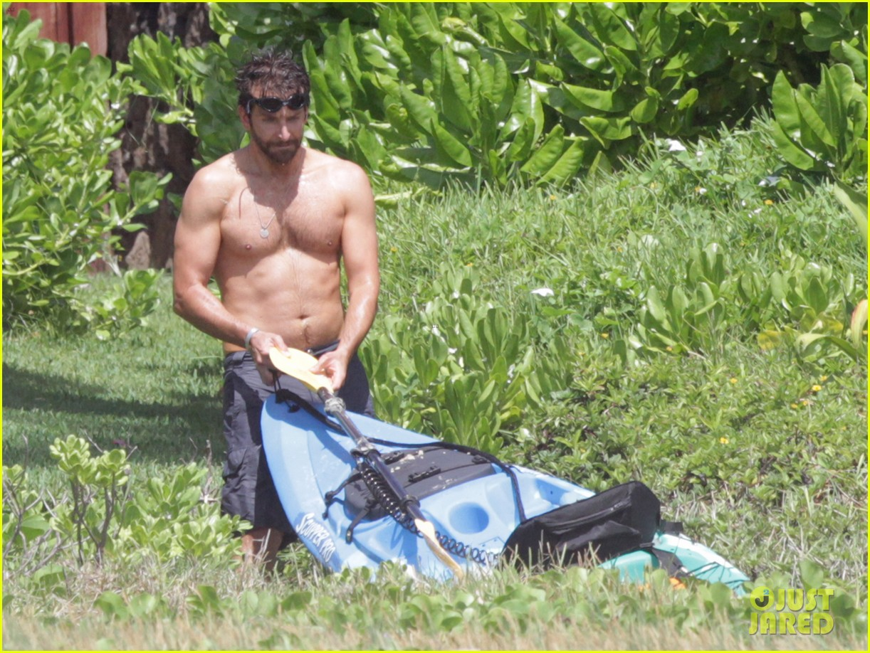 bradley cooper shirtless at the beach with suki waterhouse 022963522