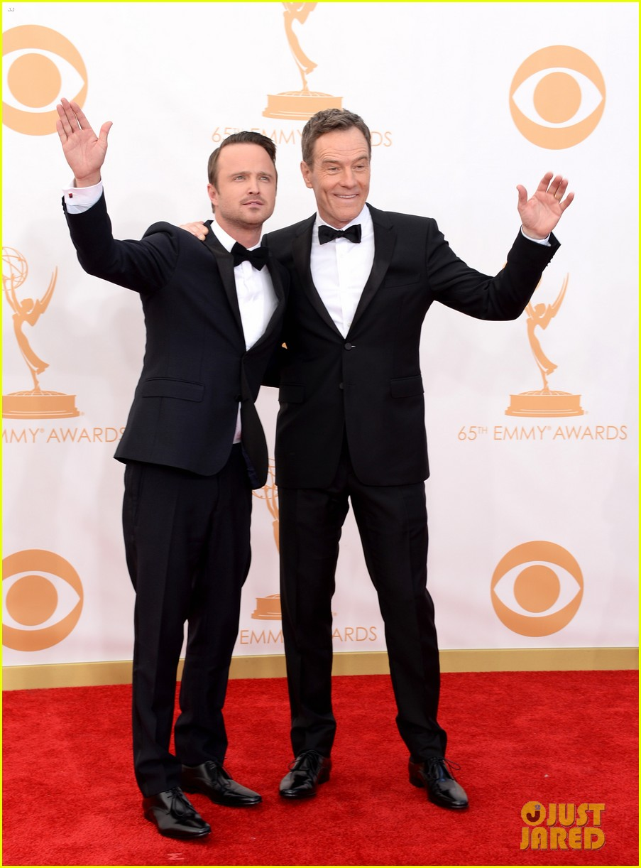 bryan cranston aaron paul emmys 2013 red carpet 01