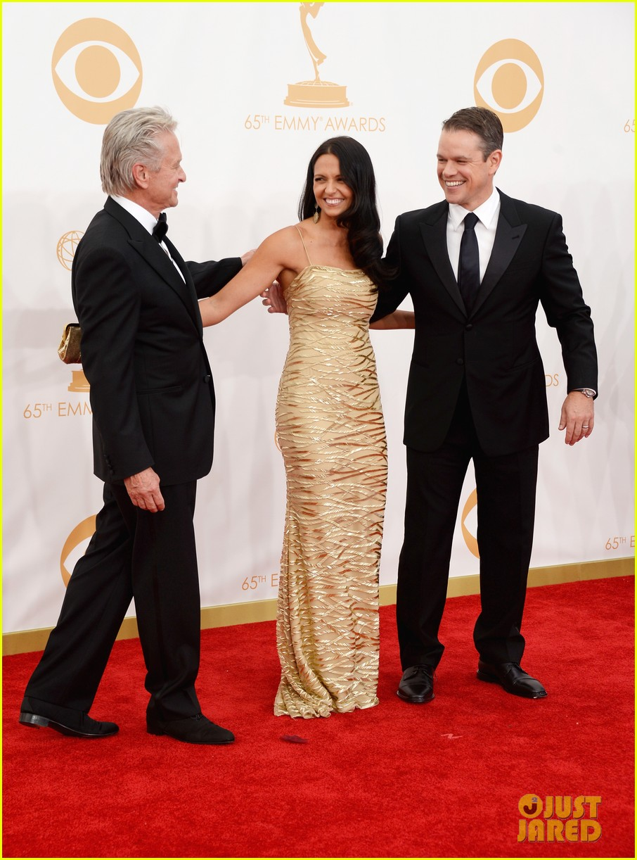 mattdamon michael douglas emmy awards red carpet 10