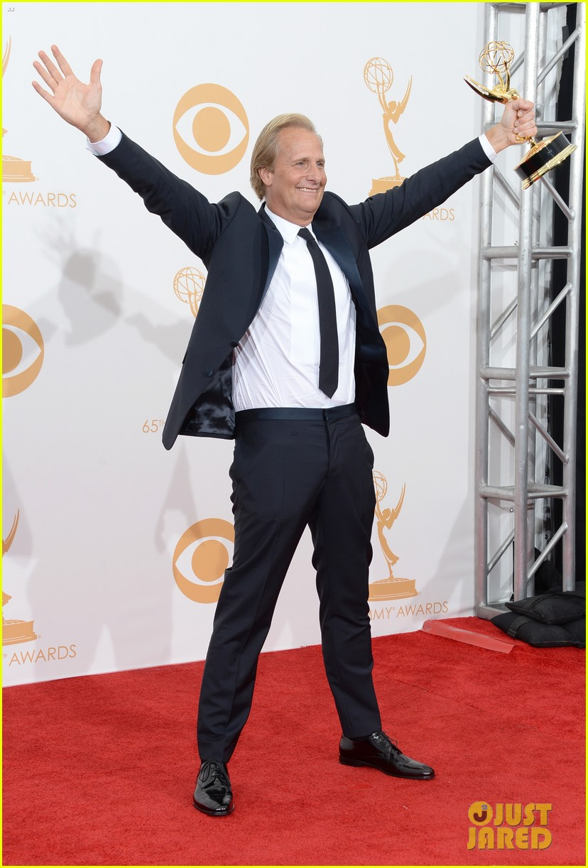 jeff daniels wins first major award at emmys 2013 03