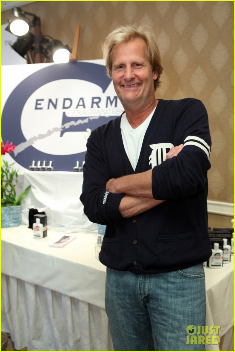 jeff daniels wins first major award at emmys 2013 07
