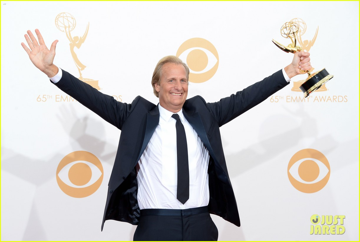 jeff daniels wins first major award at emmys 2013 162958396