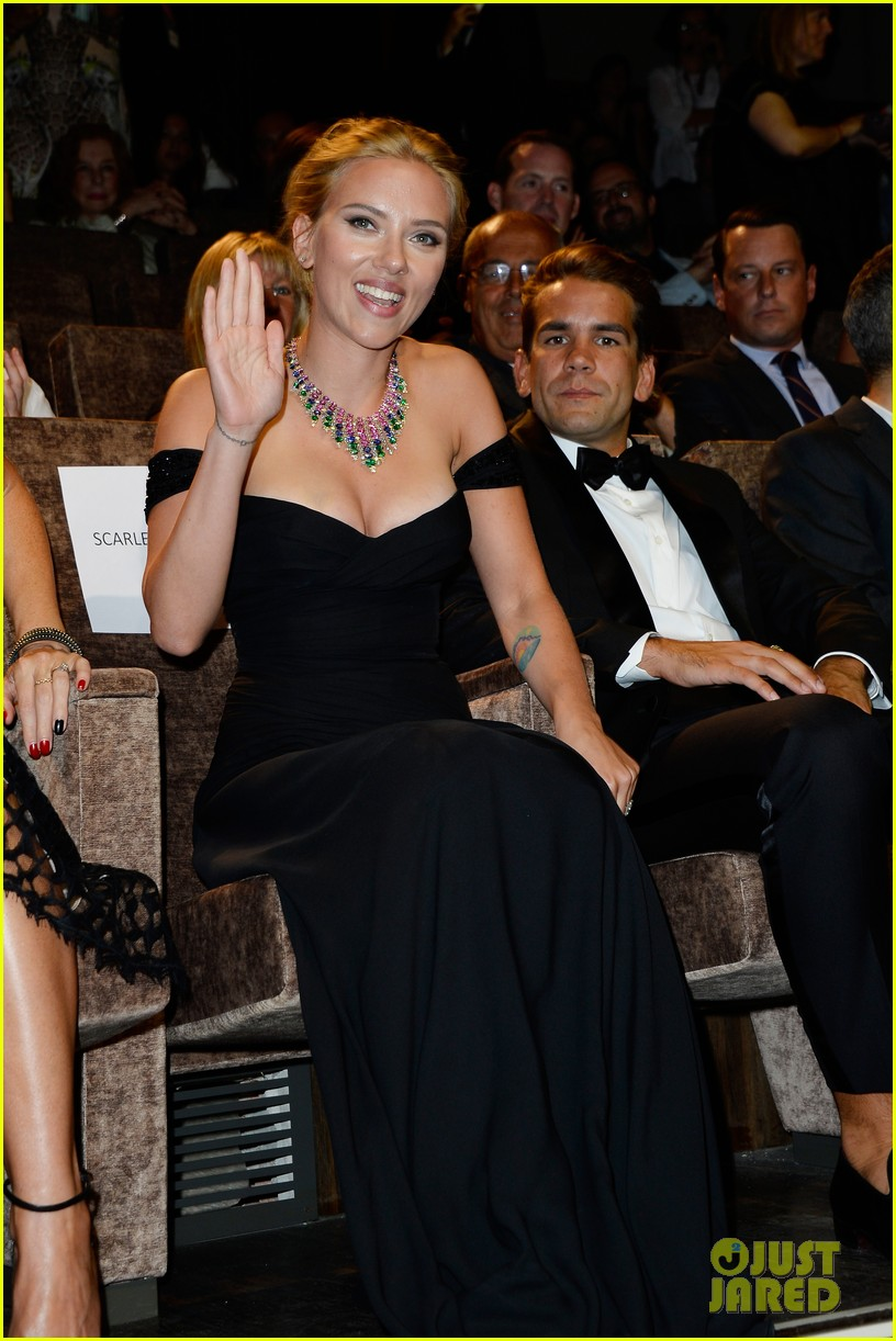 who is romain dauriac meet scarlett johansson boyfriend 042943918