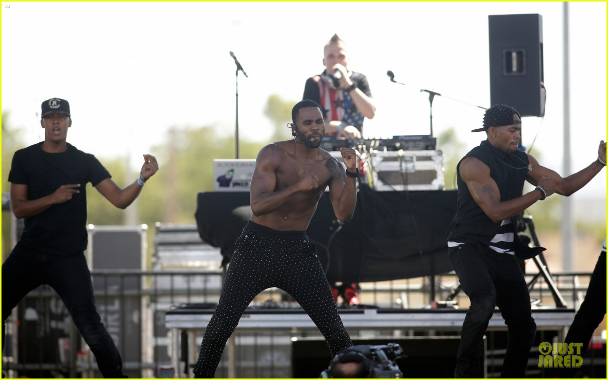 shirtless jason derulo cher lloyd iheartradio fest village performers 012956851