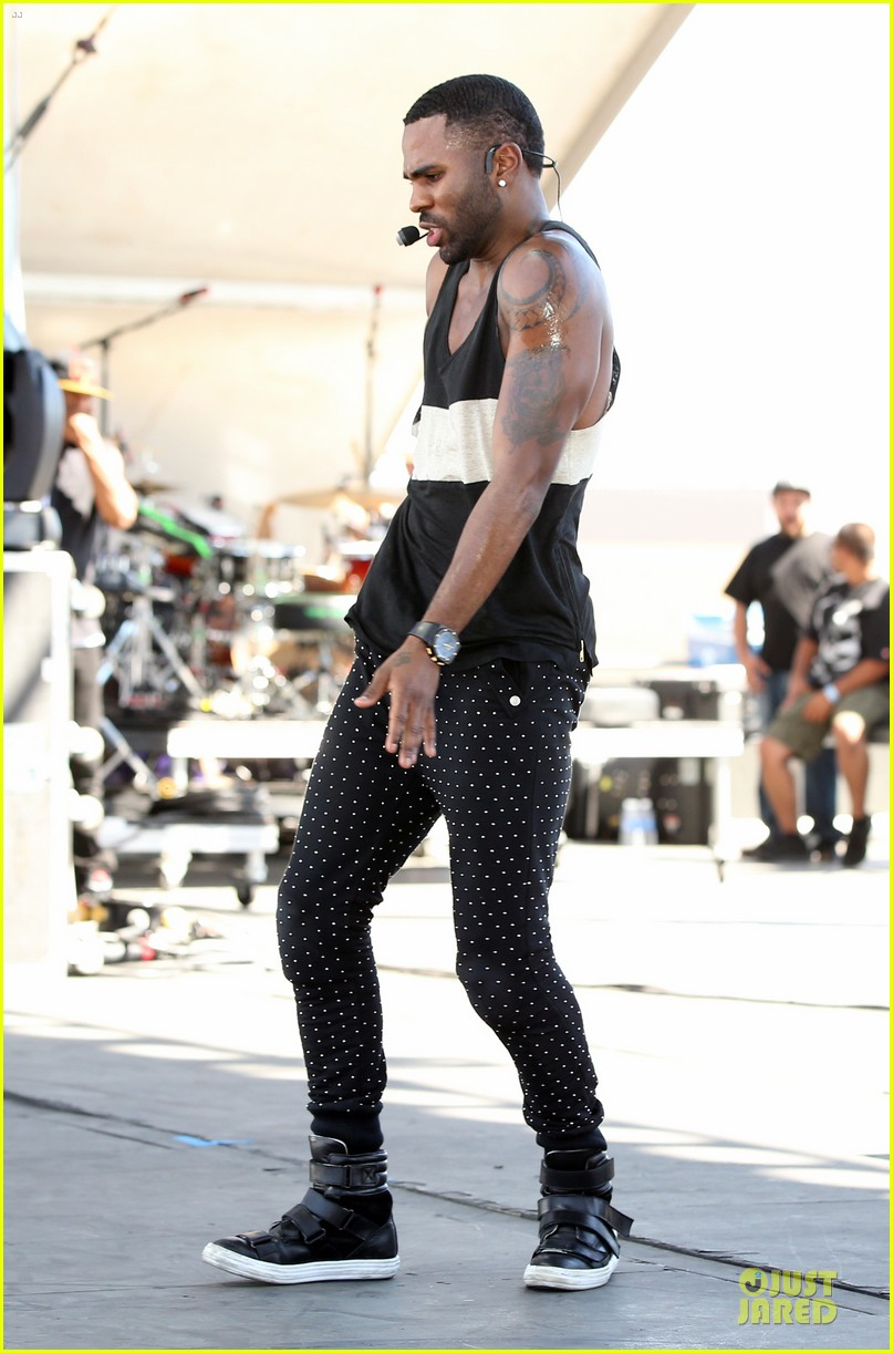shirtless jason derulo cher lloyd iheartradio fest village performers 15