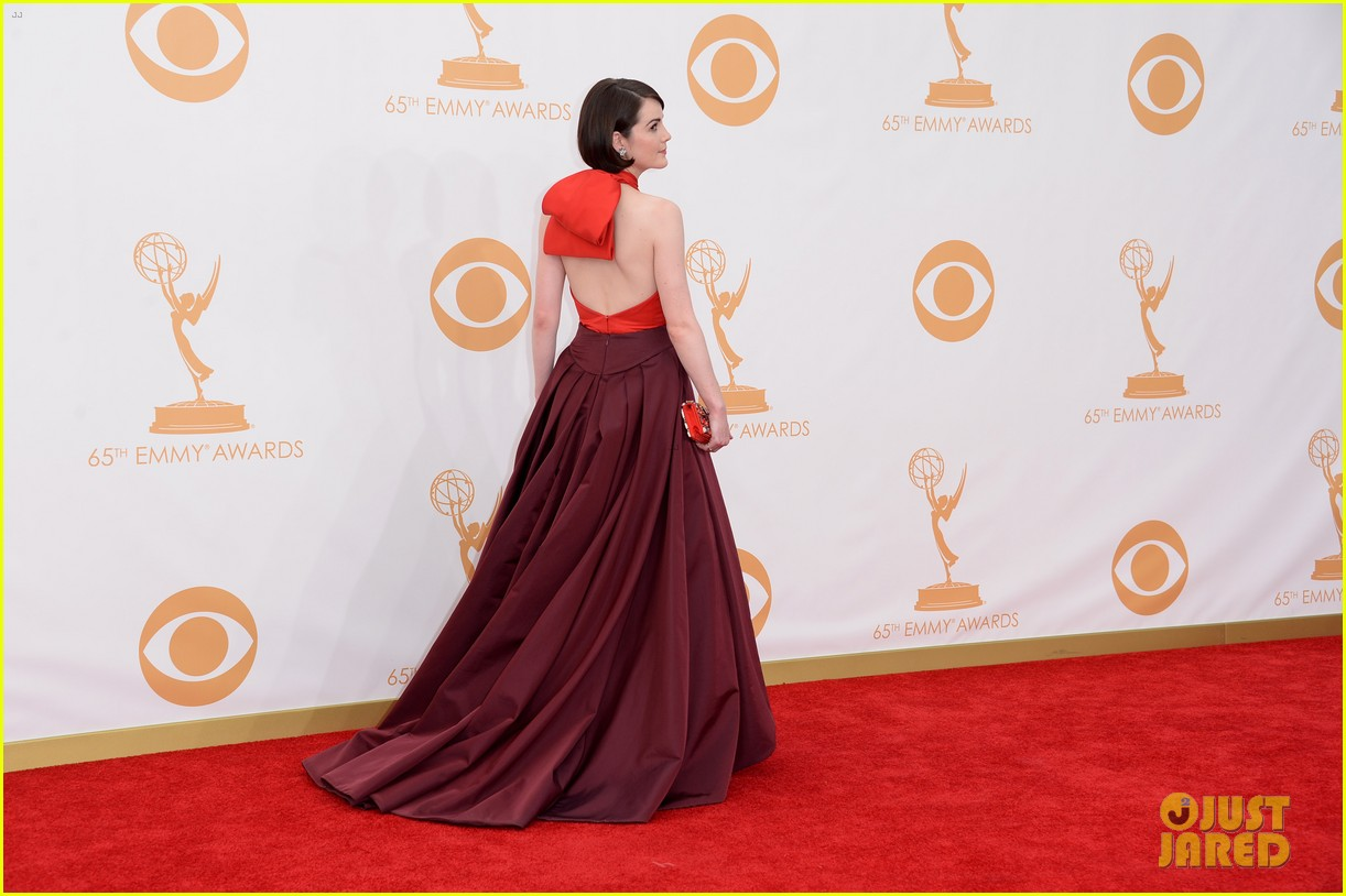 michelle dockery emmys 2013 red carpet 06