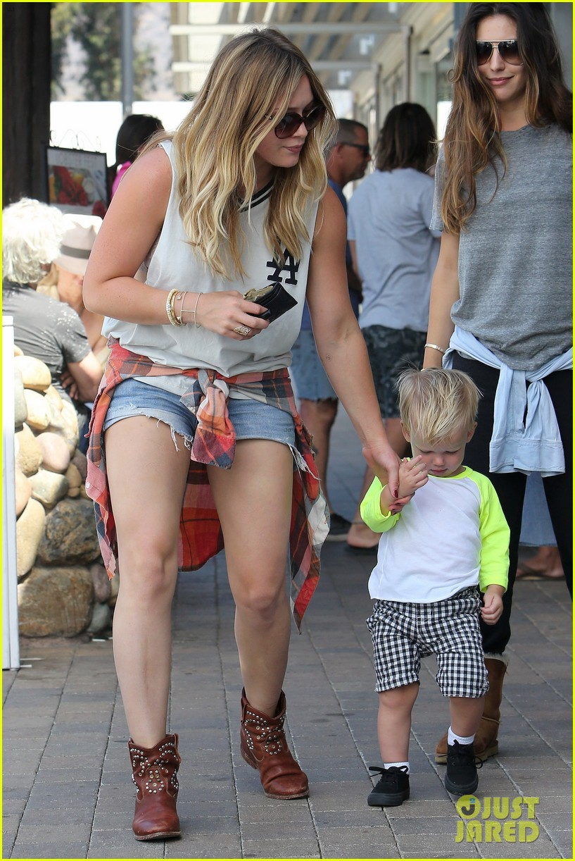 hilary duff mike comrie malibu beach with luca 162943519
