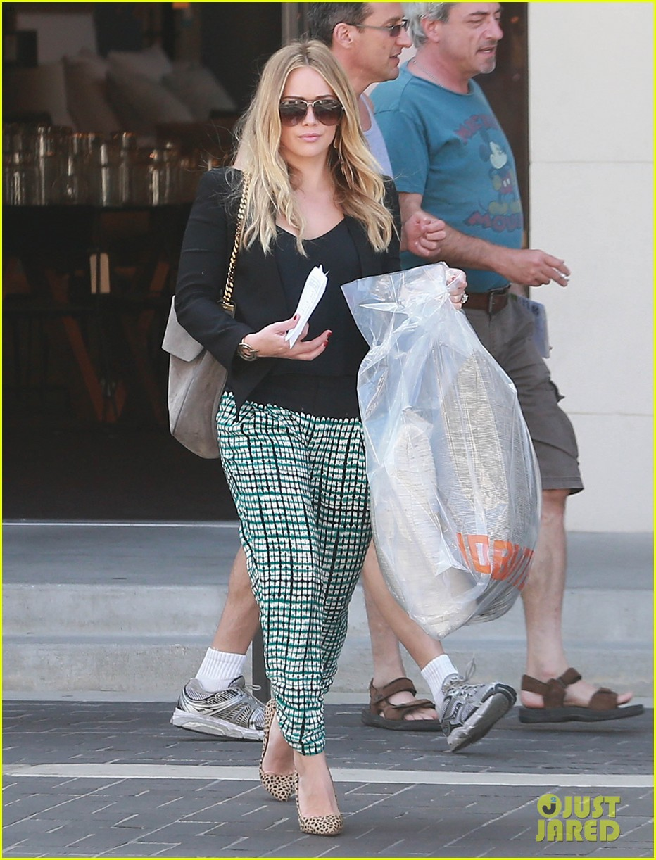 hilary duff the weeknd concert night out 02