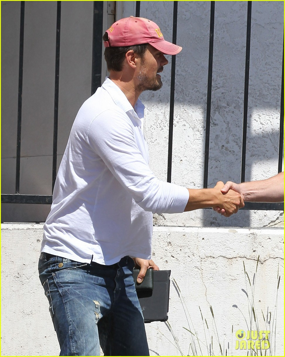 josh duhamel embraces new meaning of dilf 15