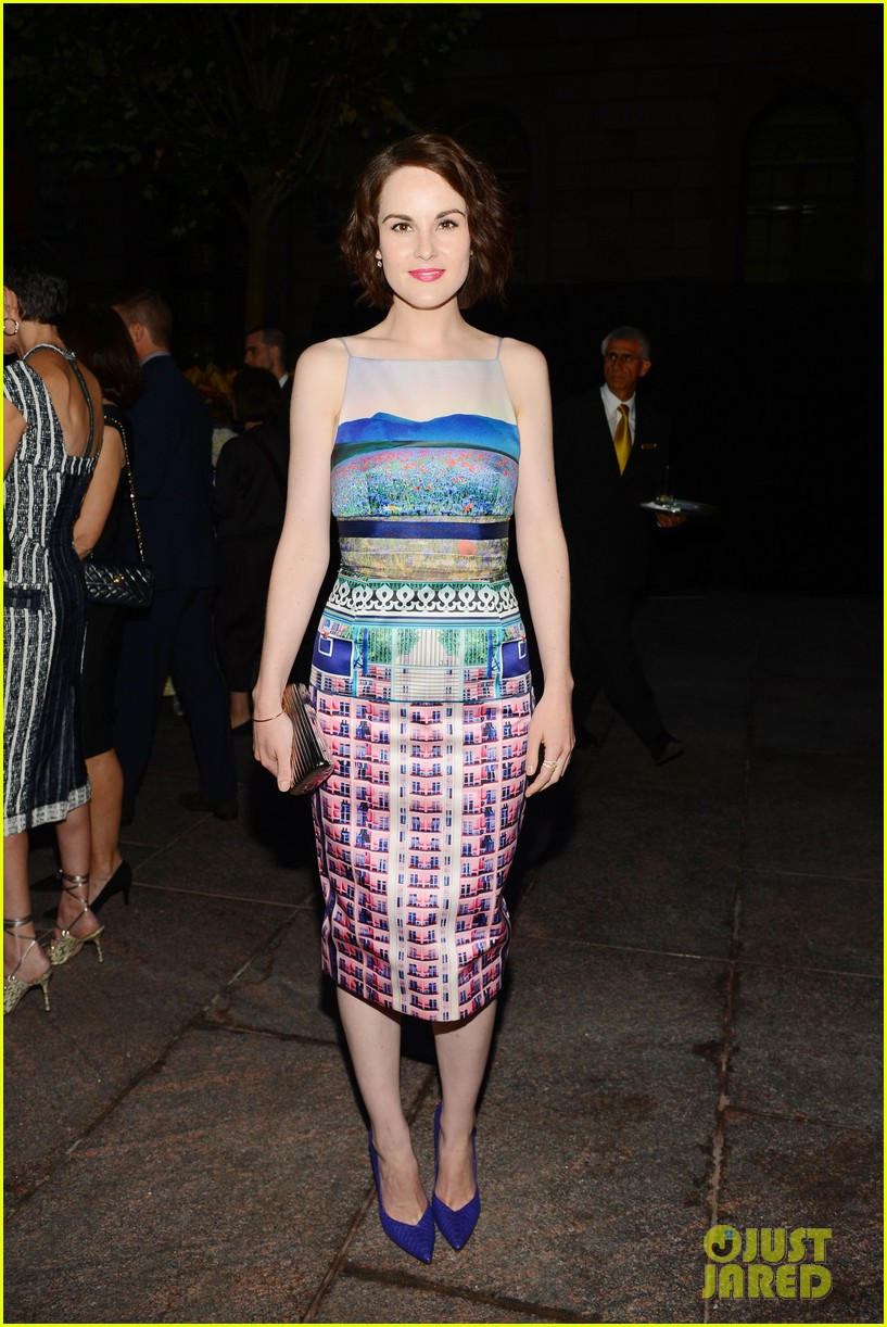 daita von teese michelle dockery vanity fair best dressed 102949229