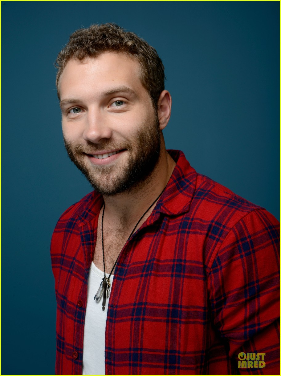 joel edgerton jai courtney felony tiff premiere portraits 082949761