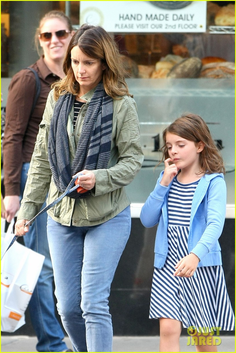 tina fey steps out with daughter alice after snl episode 02