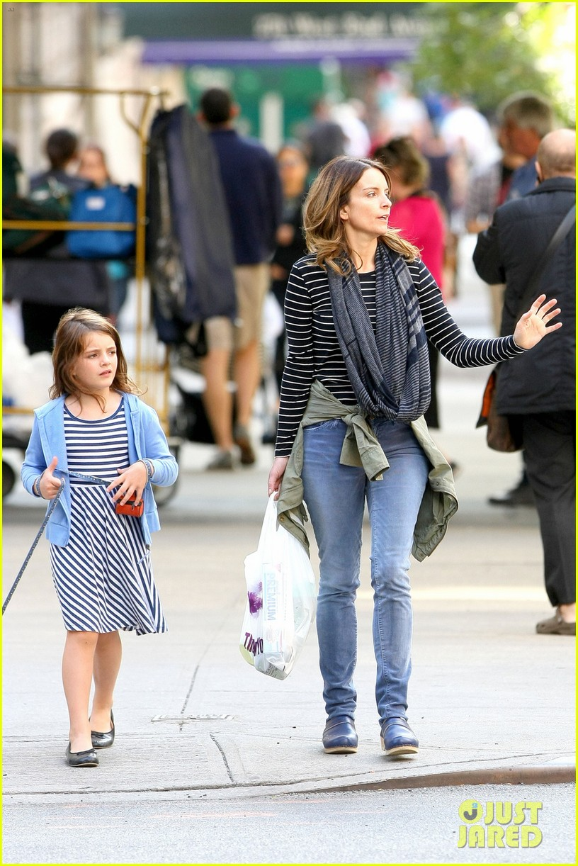 tina fey steps out with daughter alice after snl episode 062963326