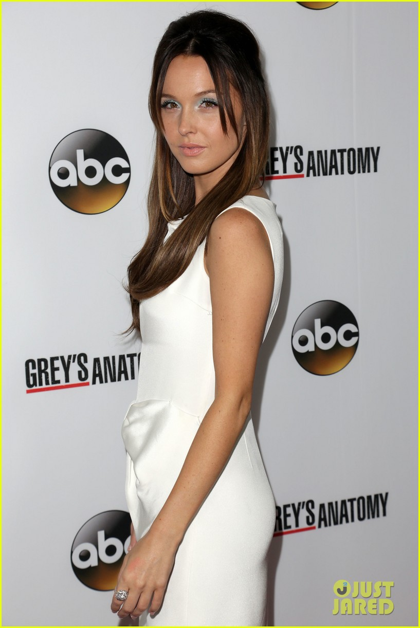 Scott Foley Camilla Luddington Greys Anatomy 200th Episode