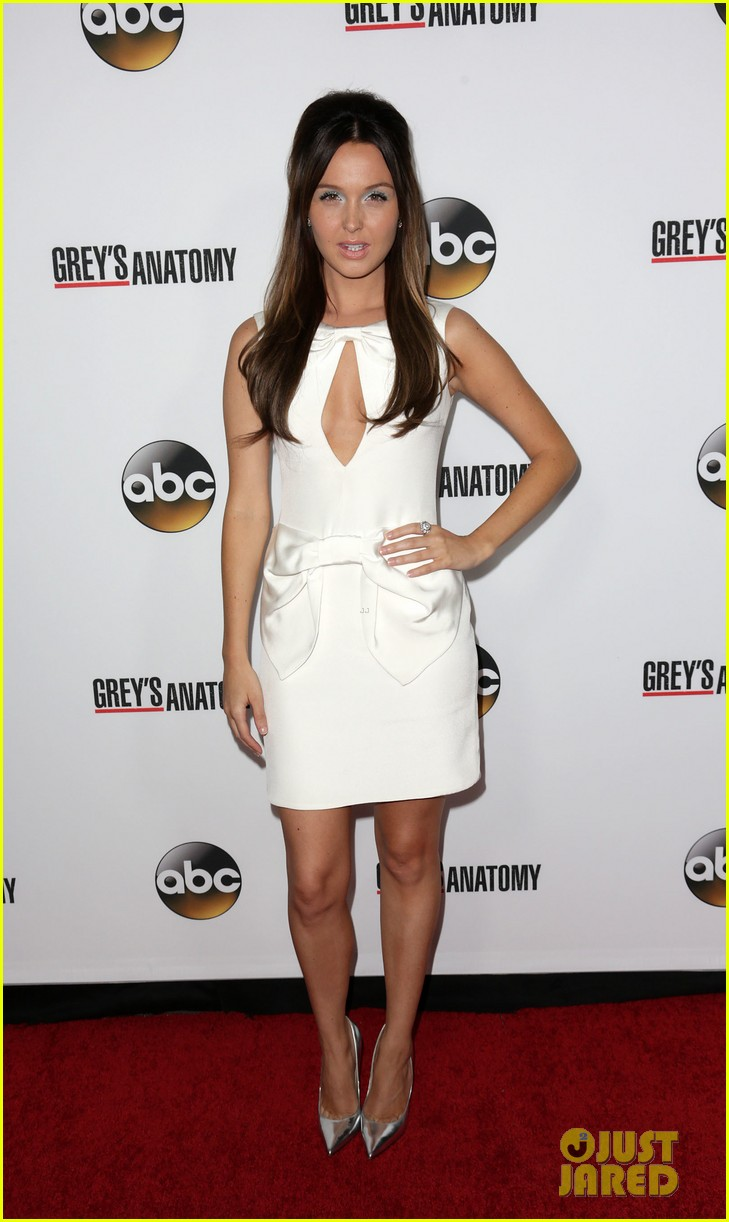 scott foley camilla luddington greys anatomy 200th party 072962344
