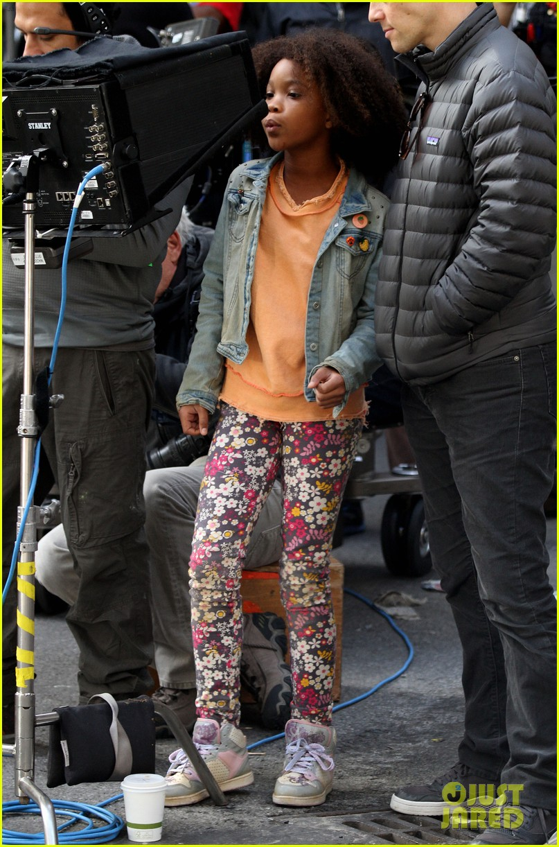 quvenzhane wallis jamie foxx film annie in new york 25