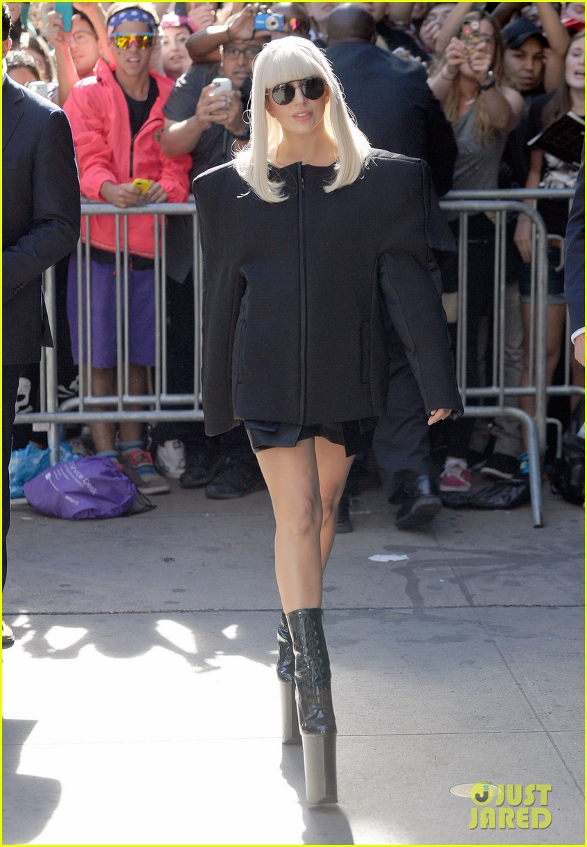 lady gaga serena williams exit good morning america studio 012948247