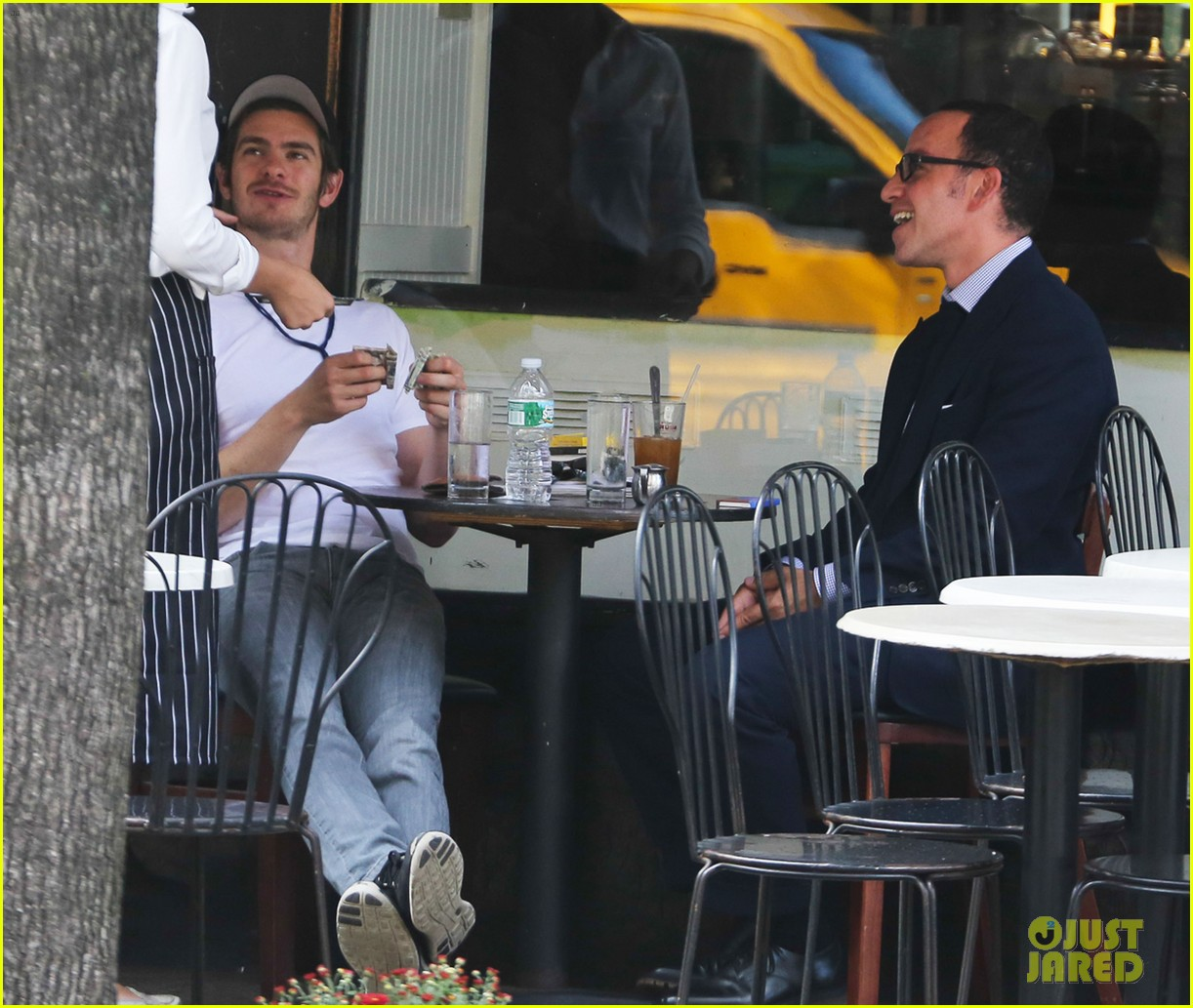 andrew garfield attended friends wedding with emma stone 112944373
