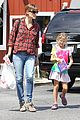 jennifer garner brings samuel to meet a horse 05
