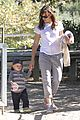jennifer garner brings samuel to meet a horse 19