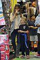 jennifer garner piggyback rider for violet 09