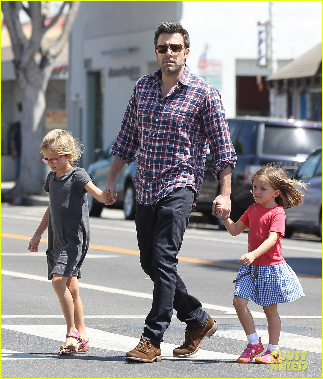 jennifer garner ben affleck separate outings with the kids 182942674