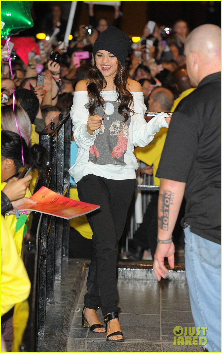 selena gomez makes radio stop after hammersmith show 052947960