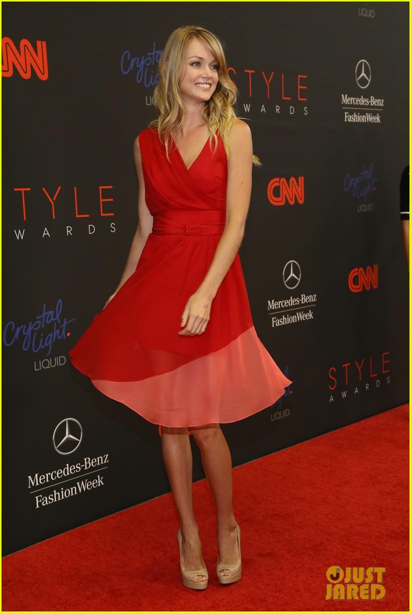 ariana grande lily aldridge style awards 2013 052944083