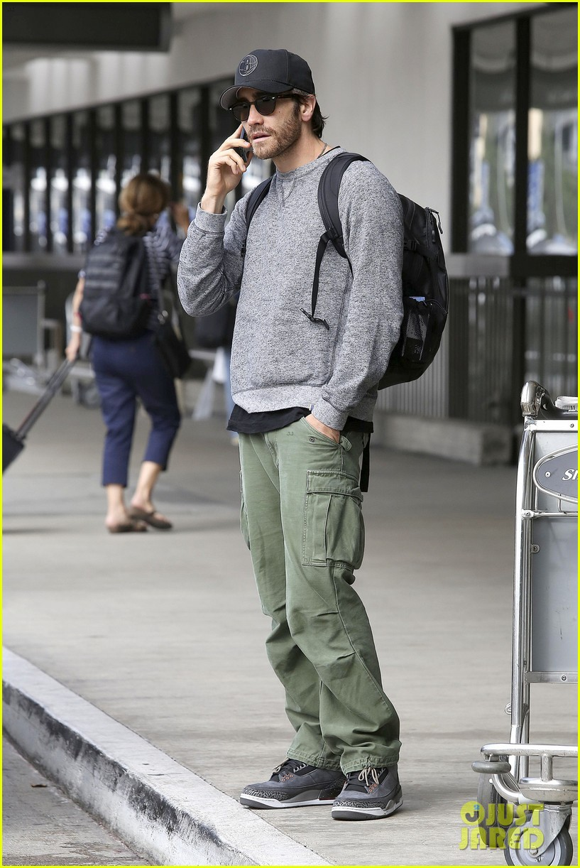 jake gyllenhaal james franco land in los angeles after tiff 012948326
