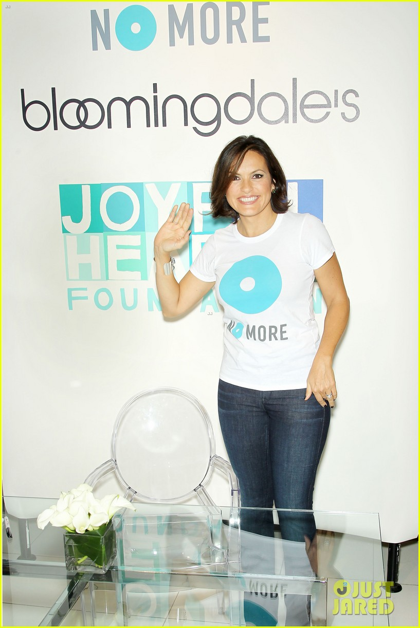 mariska hargitay says no more to domestic violence 032960012