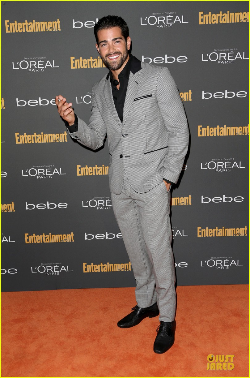 kit harington jesse metcalfe ew pre emmy party 082956701